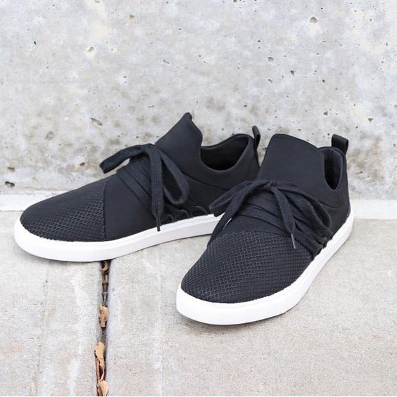 Brash Shoes | Drea Lace Sneakers Black